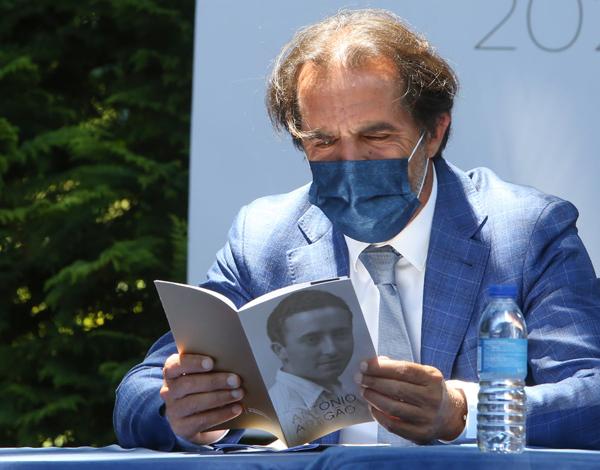 Exposição permanente de António Aragão em São Vicente