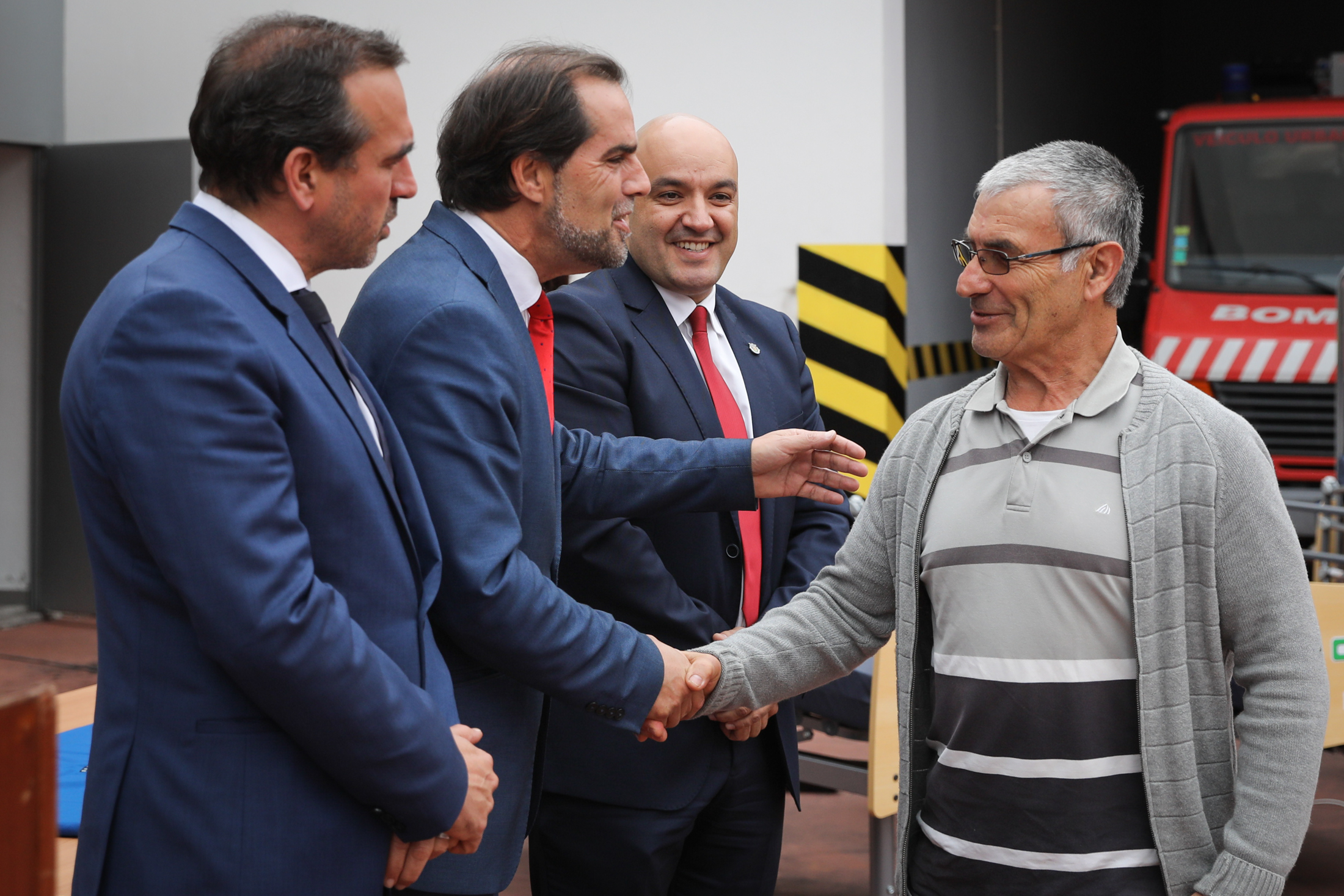 Albuquerque aconselha madeirenses a ponderar opções