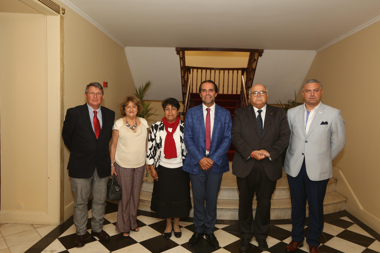 Presidente do Governo reuniu com representante da Cáritas da Venezuela