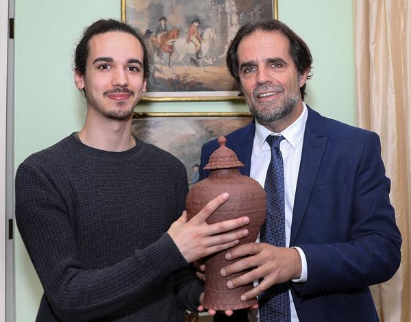 Ceramista madeirense entre os mais promissores do Reino Unido