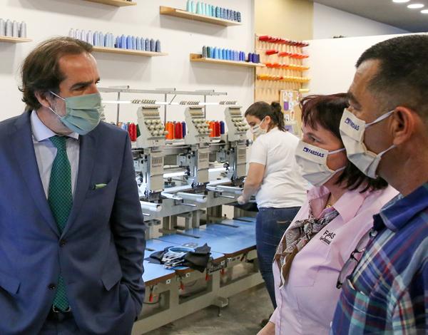 Presidente do Governo visitou empresa produtora de máscaras sociais