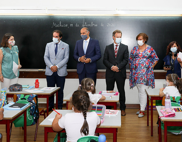Presidente do Governo agradece empenho a docentes e funcionários na retoma das aulas