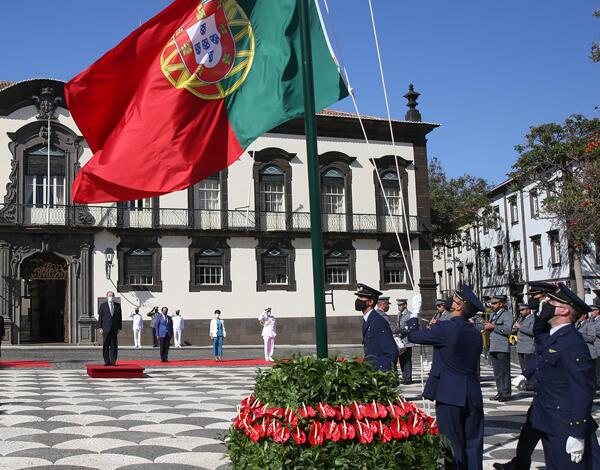 Arriar da Bandeira marca final das comemorações.