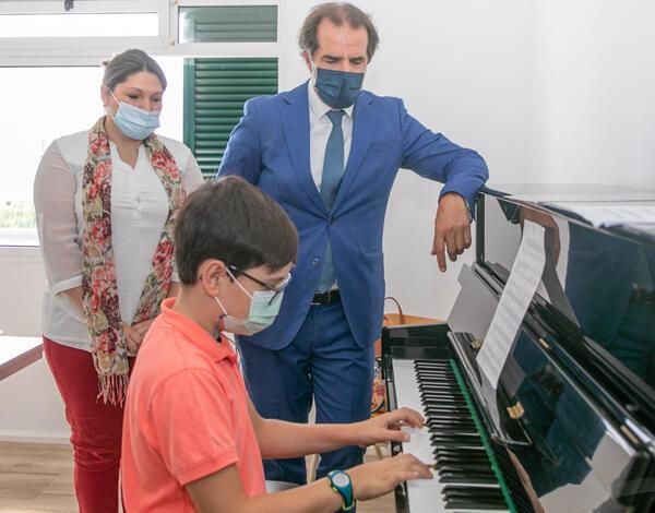 Miguel Albuquerque enaltece novo núcleo do Conservatório da Madeira no Caniço