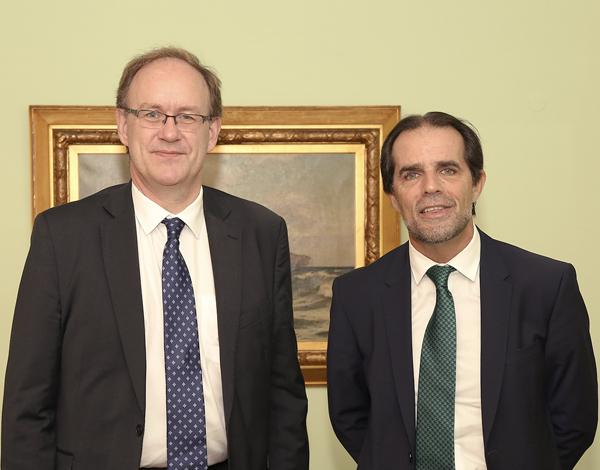 Albuquerque agradece a embaixador papel na defesa da posição da Madeira