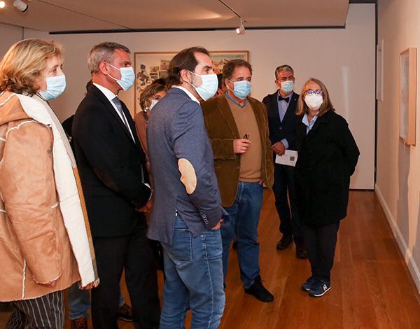 Albuquerque na abertura da exposição da pintora Ana Vidigal no MUDAS