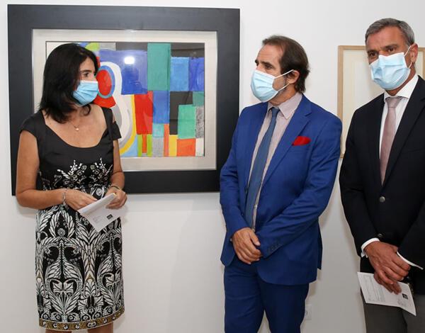Albuquerque na abertura da exposição coletiva na Galeria Marca de Água