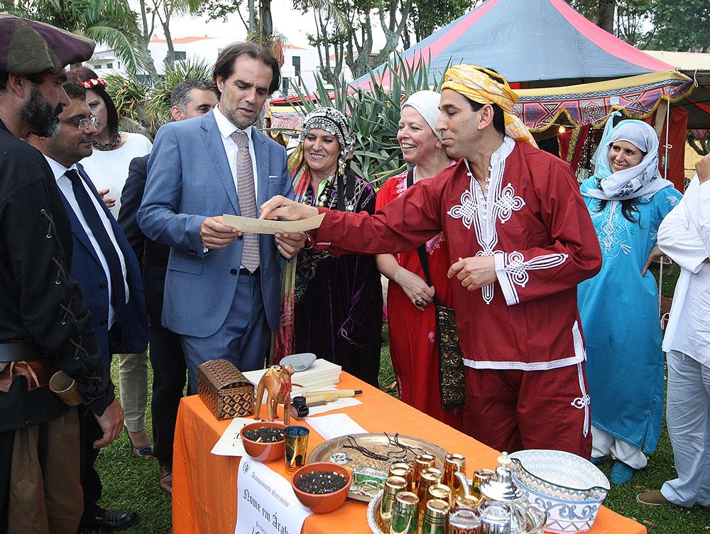 Presidente do Governo visitou Mercado Quinhentista