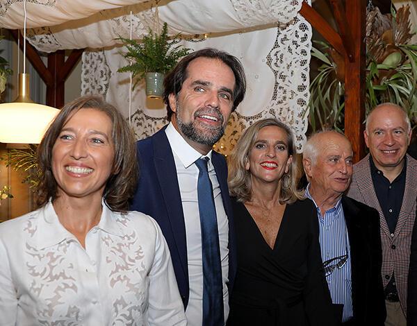 Presidente do Governo visitou exposição 'Mesas com Bordado Madeira'