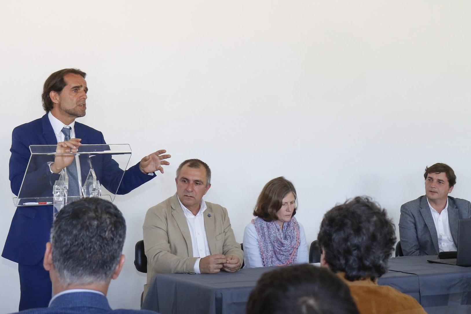 Governo vai reforçar apoio às Casas do Povo