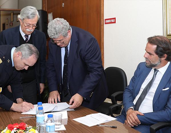 Governo Regional atribui 2,6 milhões de euros aos Bombeiros Voluntários da RAM