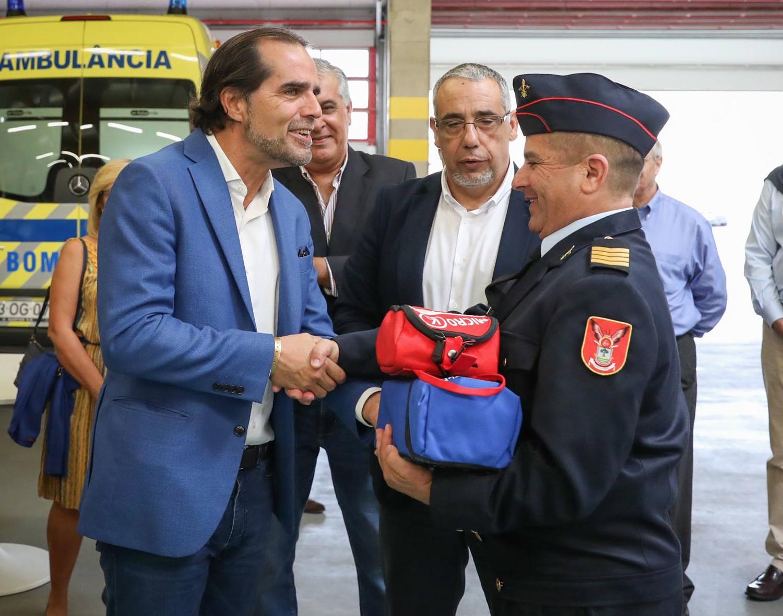 Presidente do Governo entregou equipamentos de proteção individual aos bombeiros do Porto Santo