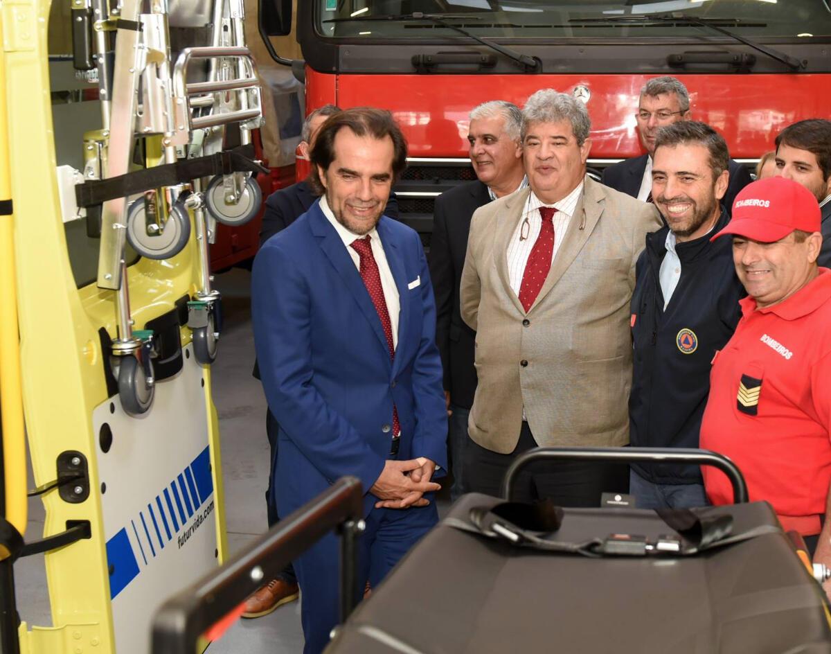 Porto Santo com nova ambulância e autocarro elétrico