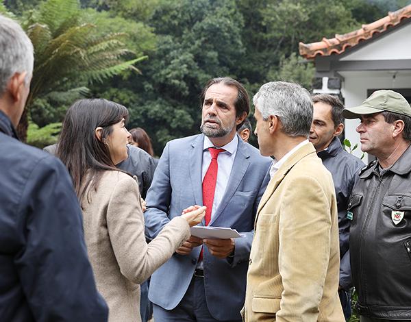 Governo Regional vai dotar Ribeiro Frio de parque de estacionamento