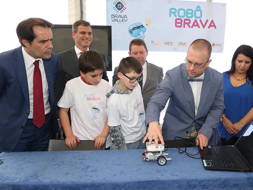 Governo promove eventos de robótica em todos os municípios