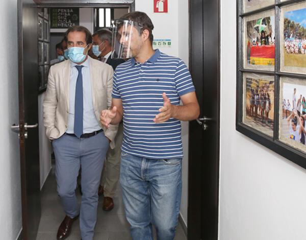 Miguel Albuquerque visitou novas instalações da Associação Teatro Metaphora