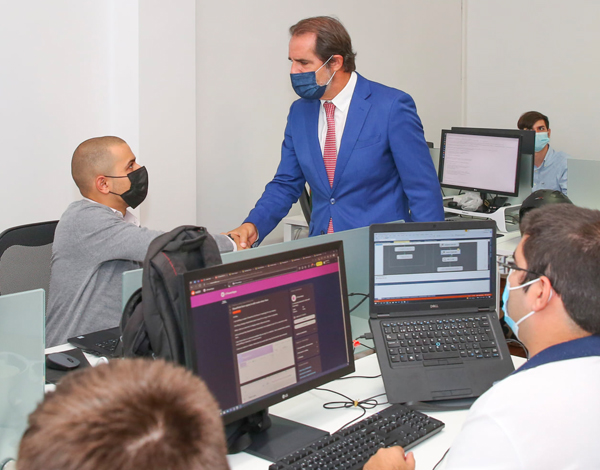 Albuquerque visitou tecnológica parceira do programa Requalificar +Digital