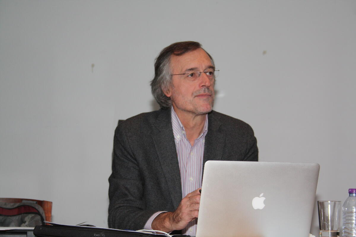 """Training Cycle: """"Dialogues on Education"""", on the 4th and 7th of December, by Professor António Neto Mendes, Aveiro University"""
