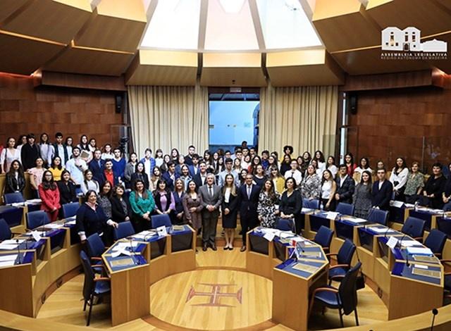 Sessão Regional do Parlamento dos Jovens debateu a Violência Doméstica e no Namoro
