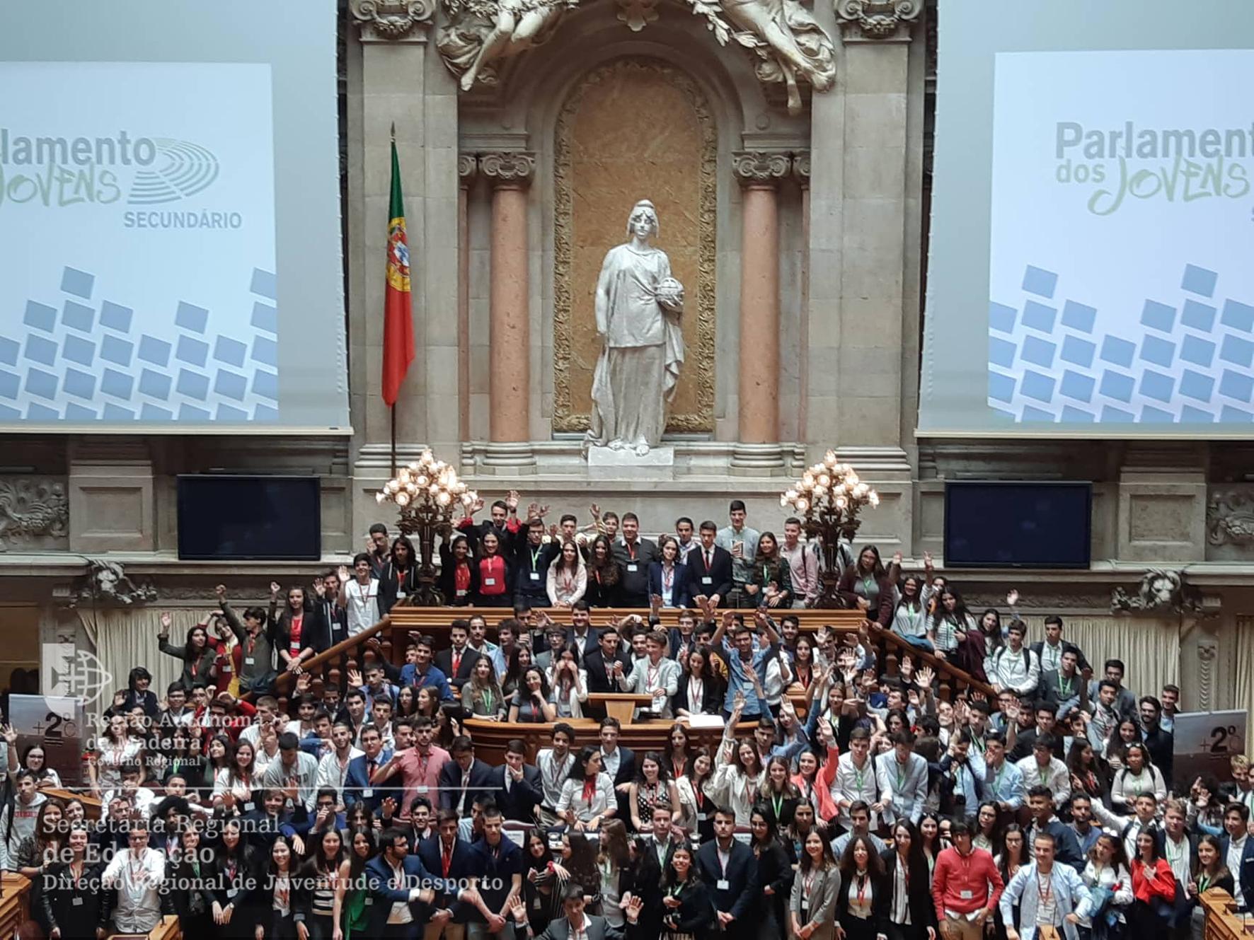 Jovens da Madeira e Porto Santo na Sessão Nacional do Parlamento dos Jovens
