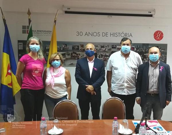Direção Regional de Desporto solidária no 'Outubro Rosa'