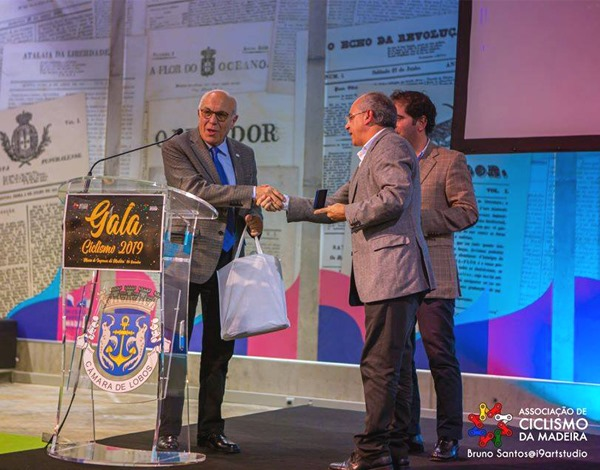 Direção Regional de Juventude e Desporto recebe homenagem