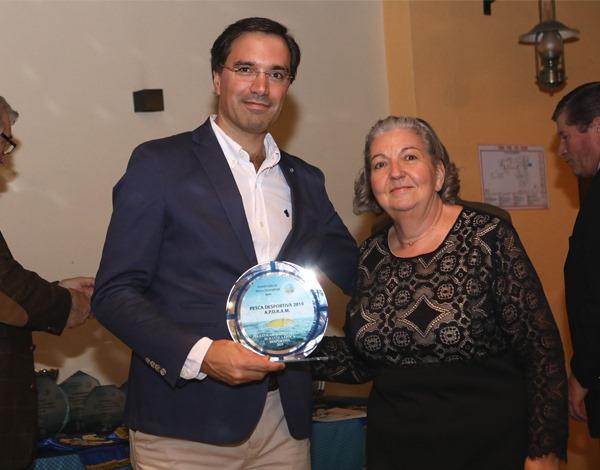 Associação de Pesca Desportiva da Madeira presta homenagem à DRJD