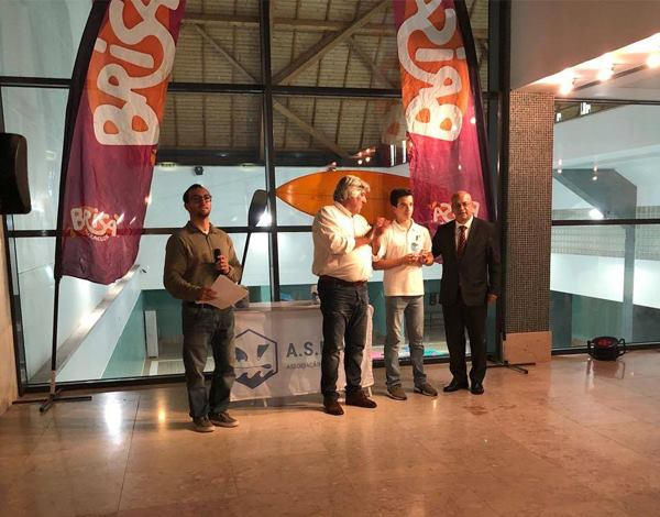 Associação de Surf entrega prémios aos campeões regionais