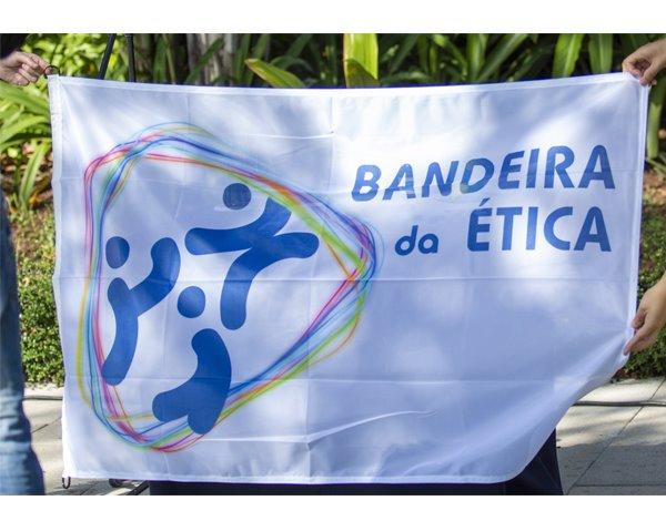 Bandeira da Ética entregue a três Instituições regionais