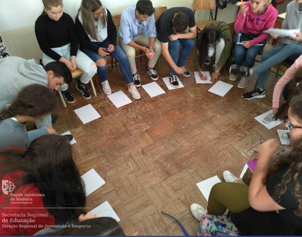 Programas Juvenis e oportunidades para jovens