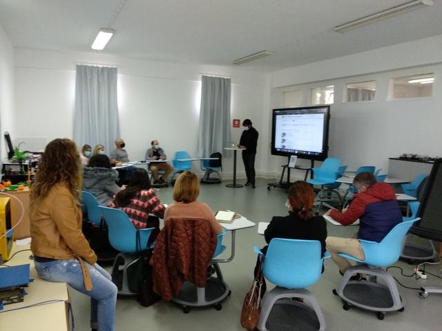 """Ação de sensibilização """"Manuais digitais e Escola virtual"""" para o STFP"""