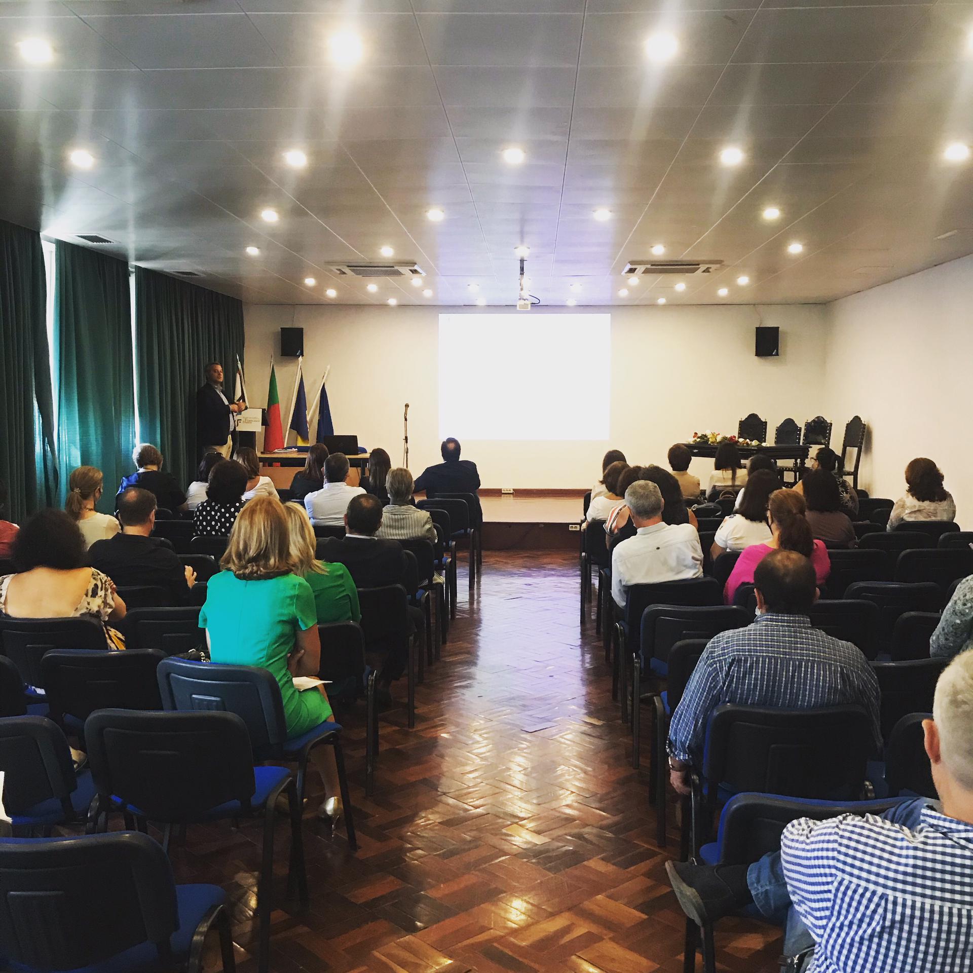 """Sessãode Esclarecimento """"Acumulação de funções público/privadas - normas e critérios de análise"""""""