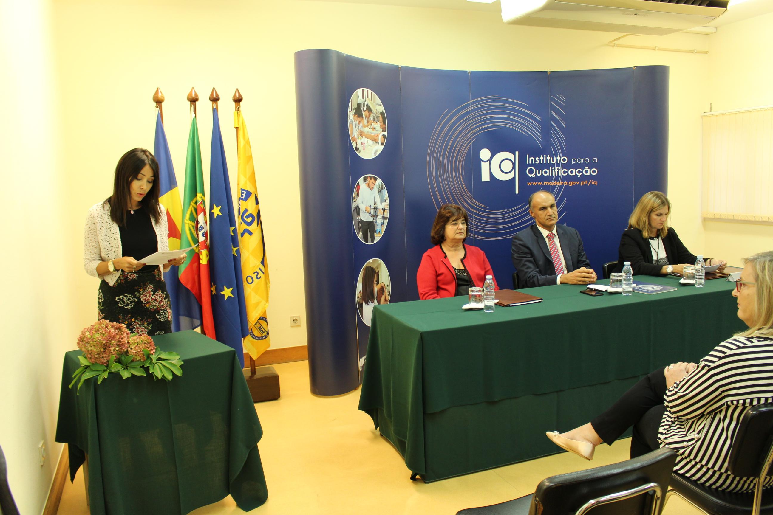 Protocolo de Cooperação entre o Instituto para a Qualificação, IP-RAM e a Escola Superior de Enfermagem de S. José de Cluny