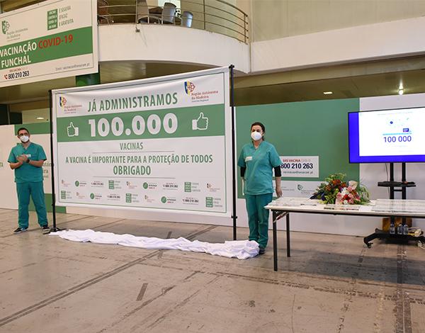 100.000 vacinas administradas contra a COVID-19