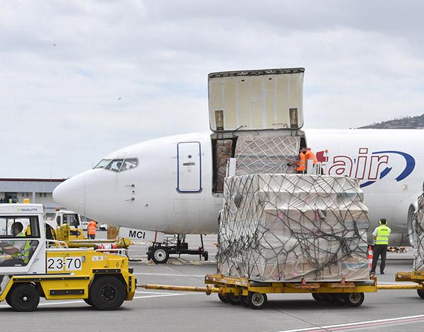 Avião fretado transportou material para o SESARAM
