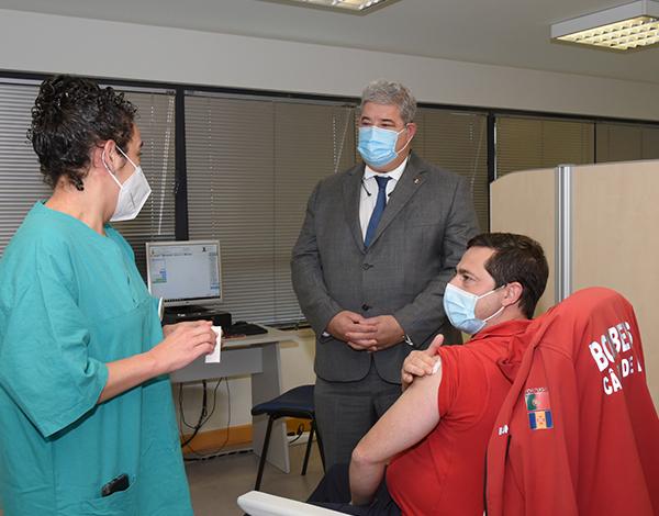 Bombeiros iniciaram a vacinação contra a COVID-19 na RAM