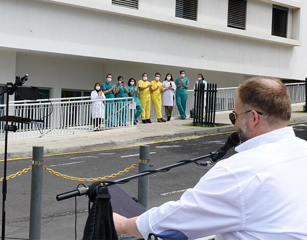 COVID-19: Miguel Pires homenageia profissionais de saúde