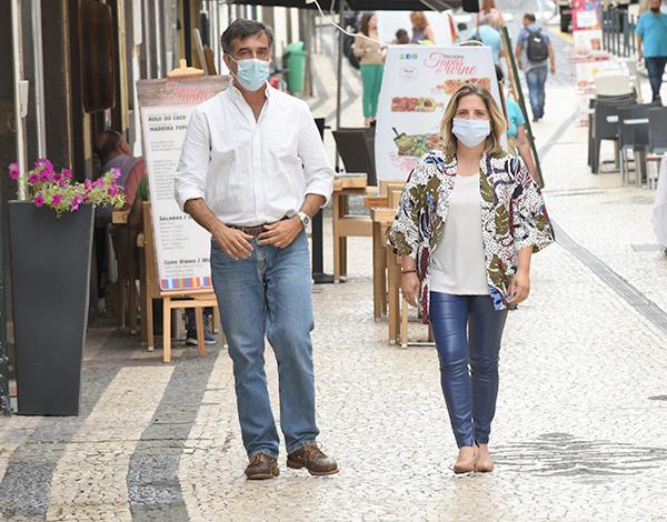 COVID-19: Uso da máscara em público previne a propagação do vírus