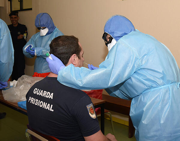 179 guardas prisionais foram testados à COVID-19