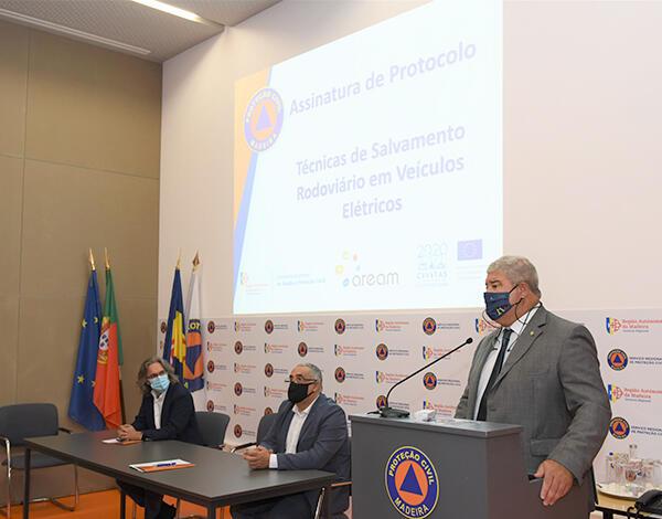 Proteção Civil promoveu Curso de Técnicas de Salvamento em Veículos Elétricos