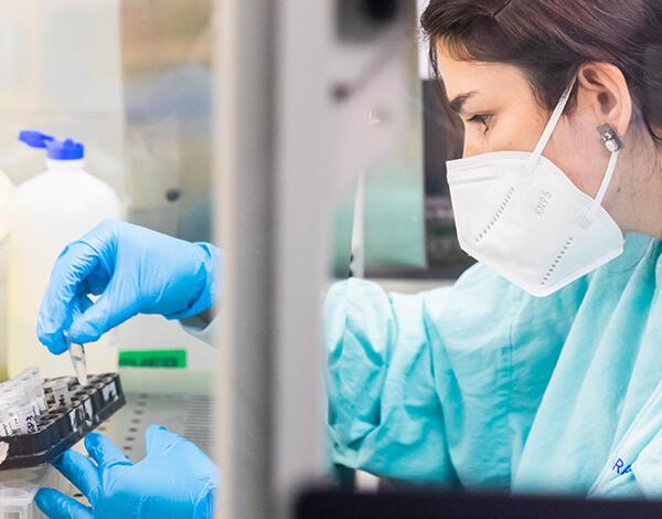 Laboratório do SESARAM assinala 1 ano de atividade de luta contra a COVID-19