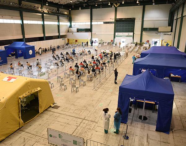 Centro de Vacinação do Funchal vacinou 1374 pessoas em dois dias
