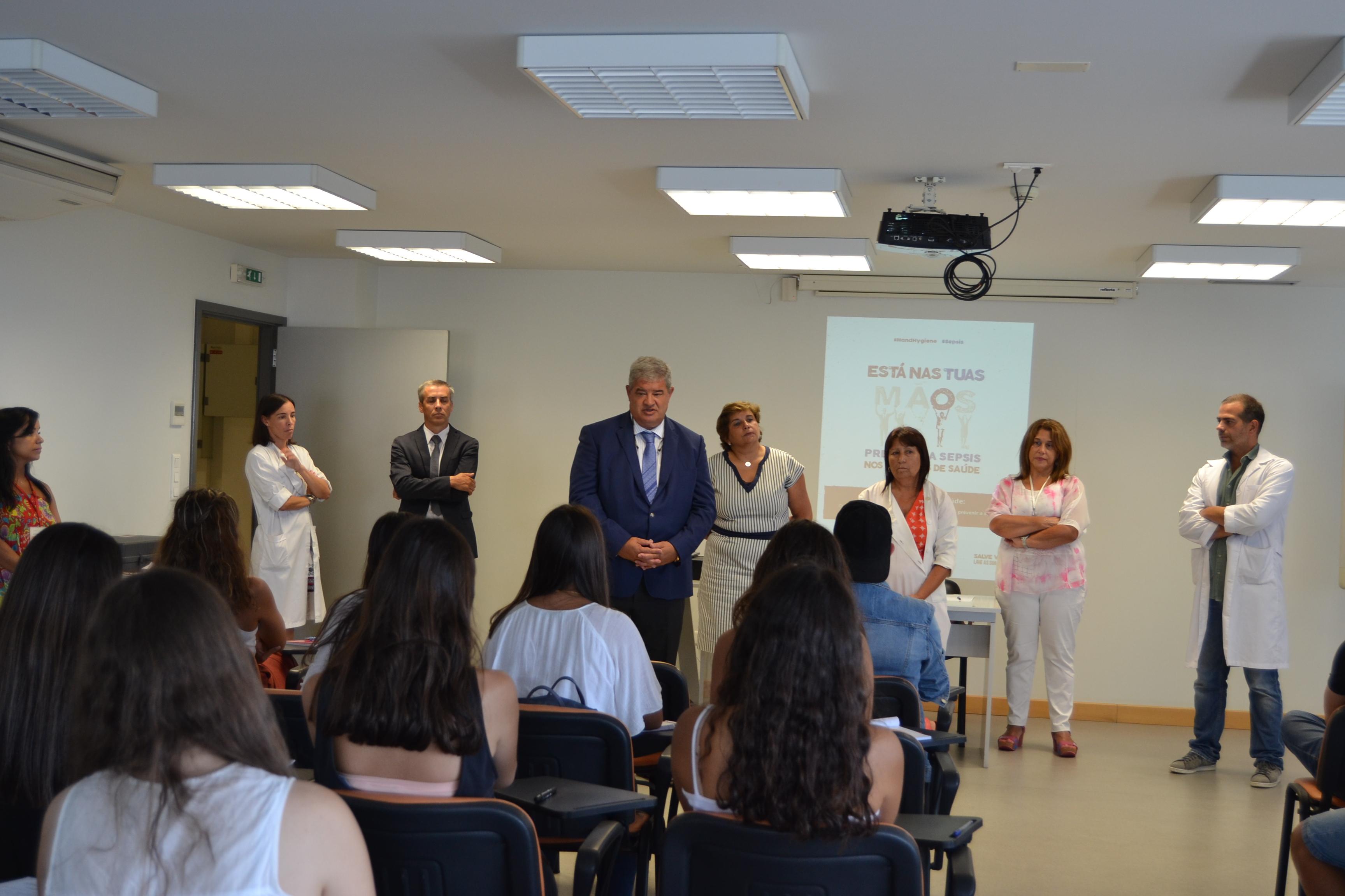 Quase mil jovens já receberam formação em primeiros socorros promovida pelo Serviço de Saúde