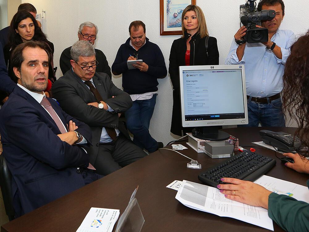 Presidente e Secretário querem mais utentes registados na plataforma de dados da saúde