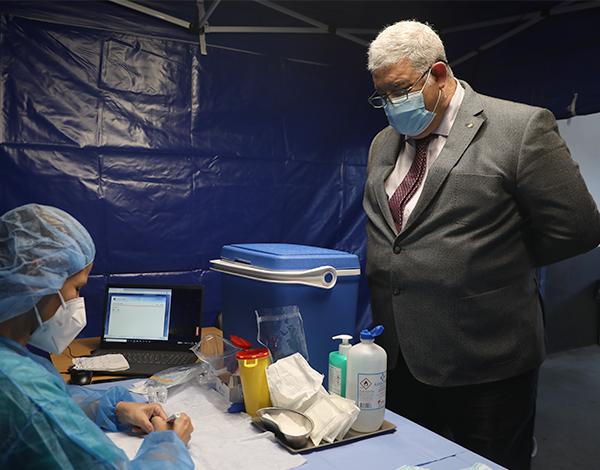 Foi dado início à vacinação dos idosos com mais de 80 anos