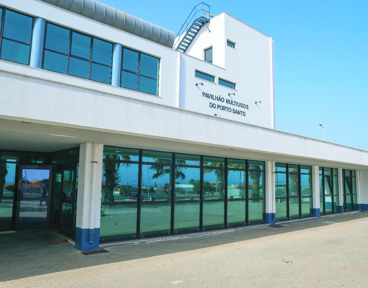 Pavilhão Multiusos no Porto Santo desativado para a COVID-19