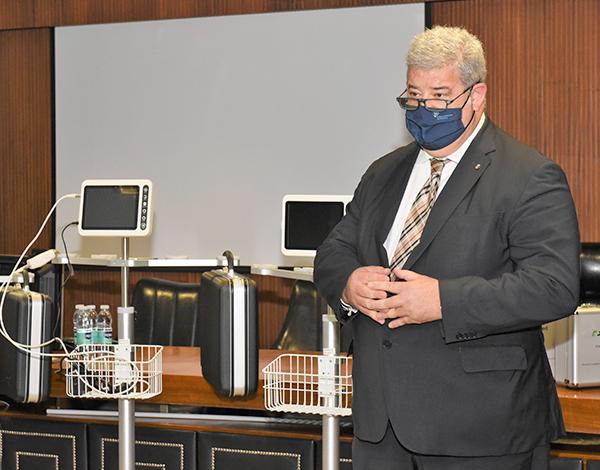 SESARAM recebeu dez equipamentos para entubar doentes com maior segurança.