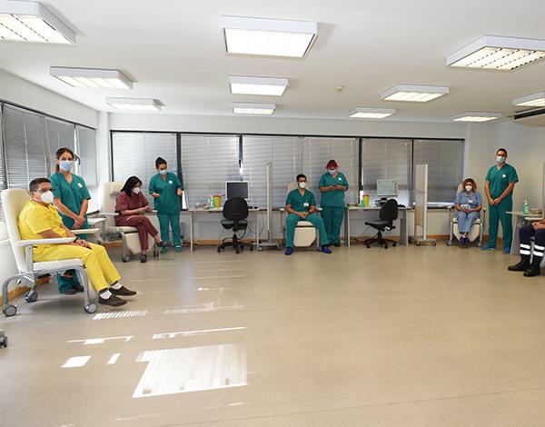 Cinco profissionais do SESARAM foram vacinados contra a COVID-19 em simultâneo.