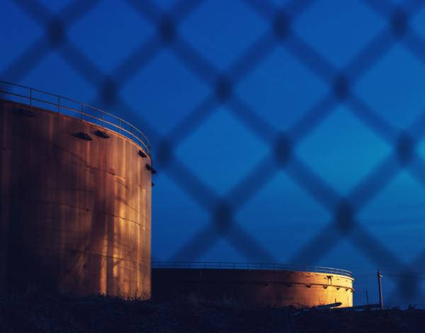 Armazenamento de combustíveis derivados de petróleo e postos de abastecimento de combustíveis