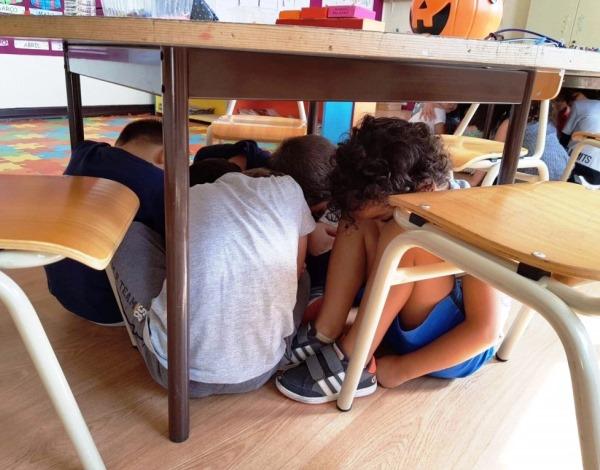 Procedimentos de sismo treinados nas escolas da Região